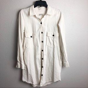 New Women's Zara button up top raw hem size small